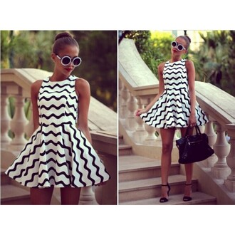 dress black and white ruched dress sleeveless sleeveless dress round neck party dress polyester polyester dress zebra zebra dress stripes cross stripe sexy dress dress girly sunglasses bag party