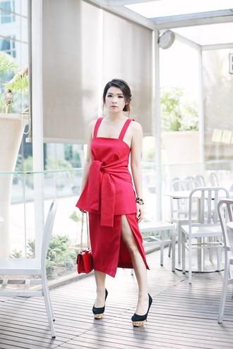 brown platform blogger top skirt bag jewels