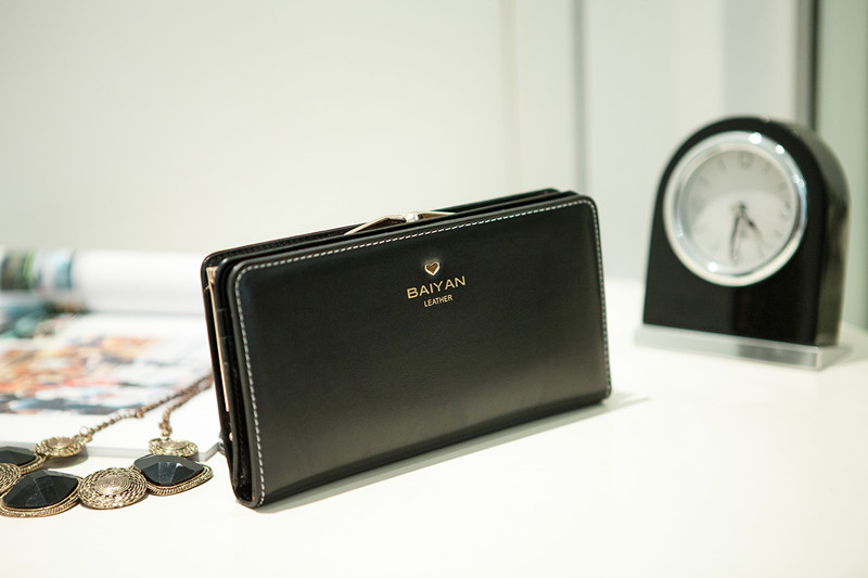 Vintage 2013 baiyan wallet genuine leather autumn day clutch wallet-inWallets from Luggage & Bags on Aliexpress.com
