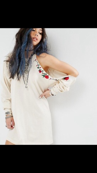 dress style fashion summer ootd boho dress black dress white dress white floral floral dress rose roses hairstyles model coachella spring spring outfits outfit outfit idea tumblr outfit instagram runway