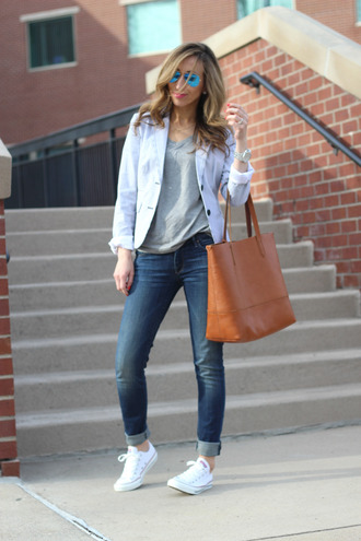 lilly's style jacket t-shirt jeans bag jewels sunglasses