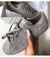 shoes,adidas,adidas shoes,adidas superstars,adidas originals,women,women shoes,grey,grey sneakers,grey shoes,sneakers,low top sneakers,adidas supercolor,girl,girly wishlist,girls sneakers,suede sneakers