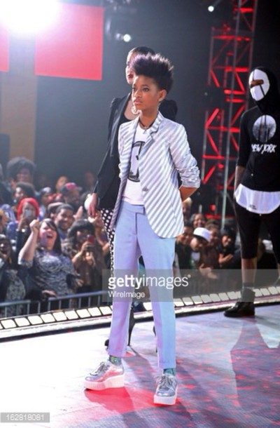 shoes willow smith blue skinny jeans hologram sneakers