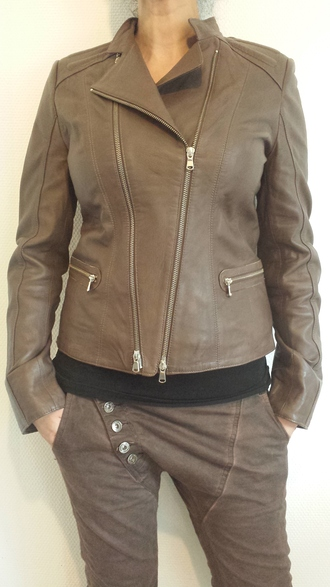 jacket given.dk brown jacket interteam leather collection danish fashion danish designed danish danish design leather jacket leather trendy brands spring jacket given brownleatherjacket black top mocca color brown pants brown jeans