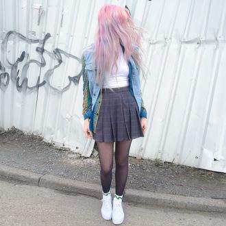 kayla hadlington blogger socks pink hair pastel hair pleated skirt denim jacket