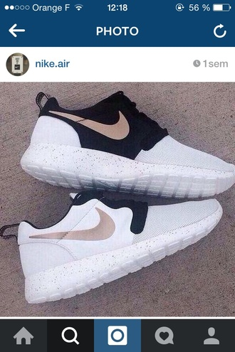 nike running shoes black and white nike roshe run nike air nike roshe runs shoes sneakers white white shoes cute shoes trendy low top sneakers nike shoes black trainers cool fitness nike sneakers gold shoes black white gold nike roshe one white sneakers white nikes black nike black nikes running shoes running sneakers nike sportswear roshes