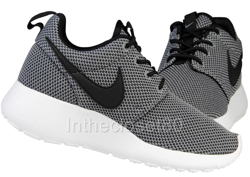 Nike Roshe Run GS Cool Grey Black Juniors Womens Girls Boys ... 5615095fc