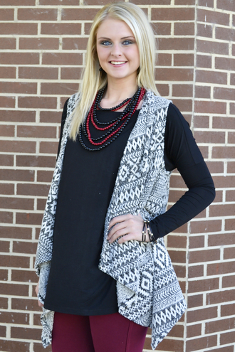 model fall outfits cardigan siloe aztec white vest