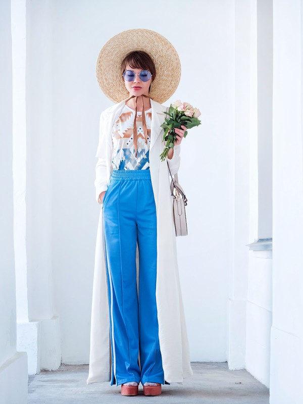 coat trench coat blue pants pants hat top flowers shoes long cardigan dress flowerr sunglasses