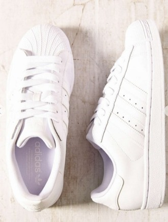 shoes adidas adidas originals adidas superstars white sneakers white white shoes sneakers superstar fall outfits back to school