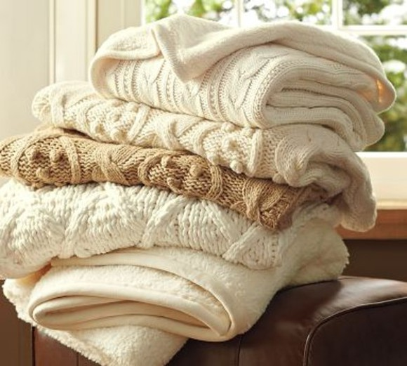 white large comfy beige scarf blankets throw on throw ons knitted pattetn pattern patterned criss cross