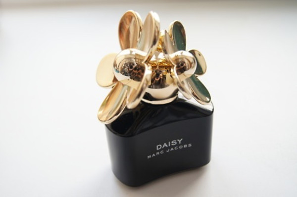jewels marc jacobs daisy perfume
