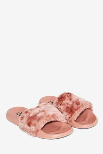 shoes pink sandals slippers faux fur pink shoes