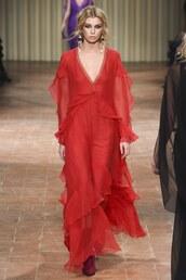 dress,alberta ferretti,red dress,red,gown,prom gown,runway,model,stella maxwell,milan fashion week 2017,fashion week 2017,maxi dress,plunge dress