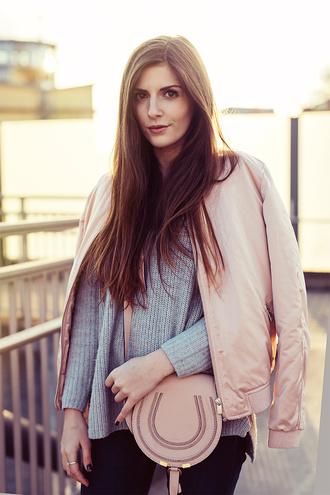 simple et chic blogger jacket shoes sweater jeans bag