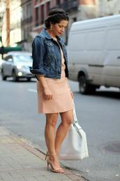 jacket,denim jacket,baby pink dress,pink heels,white bag,blogger
