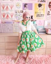 scathingly brilliant,blogger,dress,sweater,shoes,sunglasses,vintage,retro,daisy,spring outfits,50s style