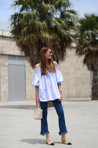 b a r t a b a c blogger top jeans bag shoes sunglasses jewels all blue outfit cropped flared jeans
