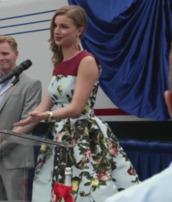 revenge,emily vancamp,floral dress