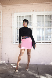 locks and trinkets,blogger,belt,bodycon skirt,pink skirt,black sweater,top,skirt,shoes,sunglasses