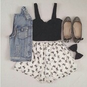 shorts,bow,bow shorts,vest,denim vest,denim,studded denim vest,stud,studs,studded,studded vest,flats,black,cute,girly,edgy,jacket,shirt,jewels,shoes,outfit,black bow,denim jacket,cropped shirt,skirt,top,underwear,jean vest,tumblr,black crop top,printed shorts,jeanjacket