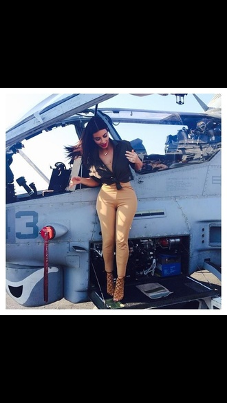 jumpsuit jacket kim kardashian camel shoes nude pants black shirt high heel sandals nude high waisted pants