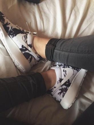 shoes roshe runs nike roshe run trainers sneakers nike shoes nike running shoes fashion white sneakers