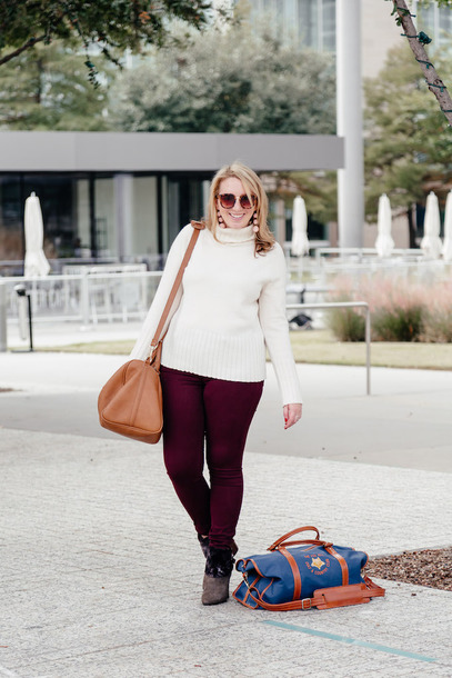 glitter&spice blogger sweater pants shoes sunglasses jewels turtleneck sweater shoulder bag white sweater ankle boots