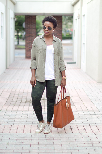 pinksole blogger sunglasses jewels shirt tank top leggings shoes bag tote bag khaki pants sneakers