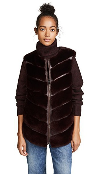 Cara Mila vest burgundy jacket