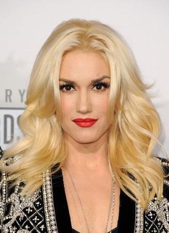 make-up gwen stefani blonde hair red lipstick eye makeup face makeup