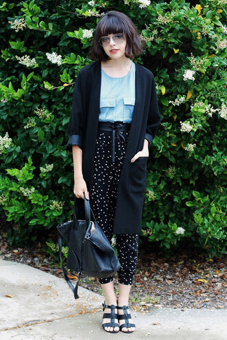 restless youth blogger cropped pants printed pants black leather bag