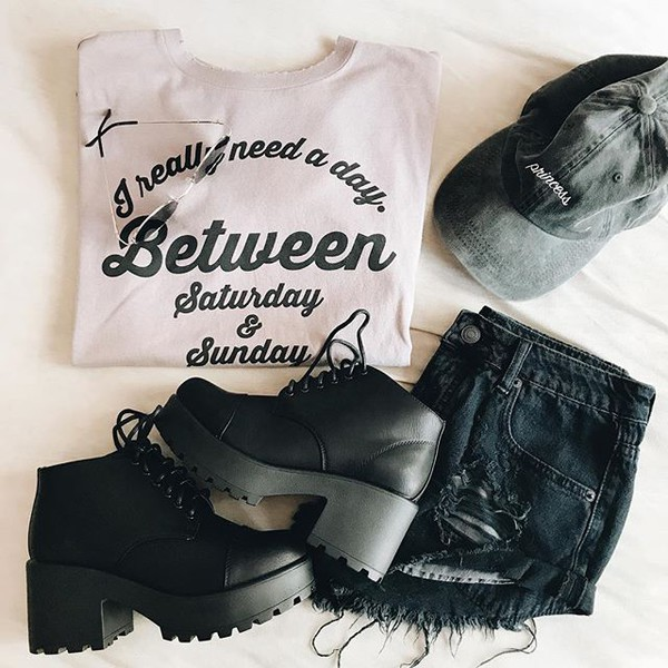 t-shirt graphic tee graphic top fashion style cute trendy back to school weekend writing t-shirt t-shirt vintage inexpensive stylish fall 2017 fall outfits spring trendy fall trends bellexo