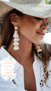 earrings,white earring,jewels