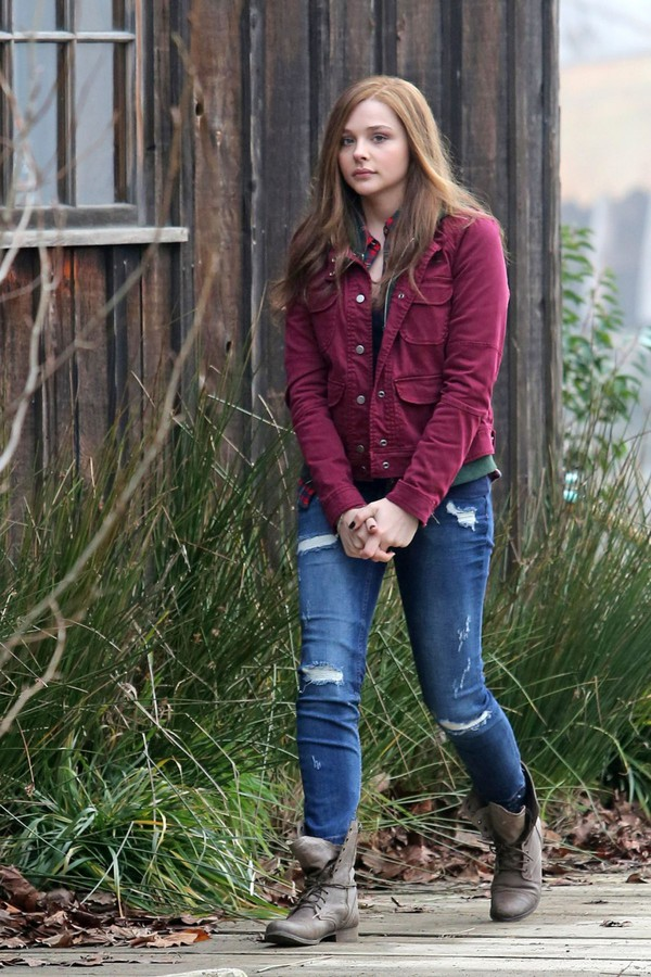 jeans ripped jeans boots jacket chloe grace moretz if i stay