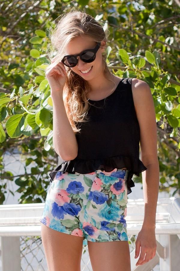 shorts bodycon bodycon shorts floral pretty cute ruffle top black crop tops heart back pockets shirt