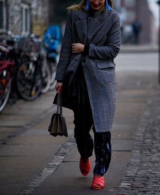 coat tumblr fashion week 2017 streetstyle grey coat pants printed pants shoes red shoes heels red heels bag socks and sandals socks