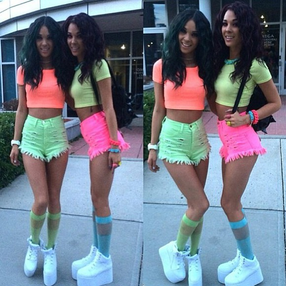 rainbow colorful shoes neon crop tops shorts High waisted shorts knee high socks summer outfits festival bright rave socks tang twinz flatforms fluo