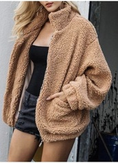 coat,jacket,fuzzy coat,fur coat,fur,beige,warm,winter outfits