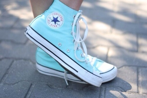 shoes blue blue shoes white light blue converse chucks all stars stars converse chuck taylor chuck taylor all stars chuck taylors chuck taylor's chuck taylor chuck taylor girly