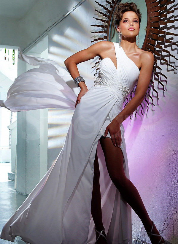 dress timeless popular color white a-line made of chiffon