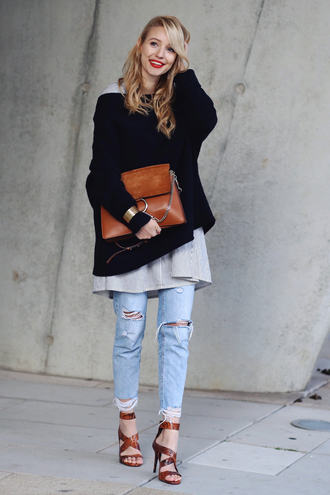 ohh couture blogger brown leather bag ripped jeans sandals oversized sweater black sweater fall outfits