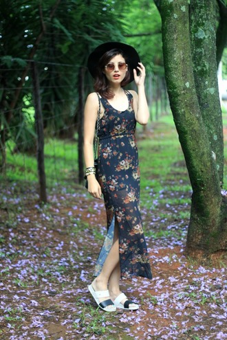 my name is glenn blogger spring outfits floral dress slit dress flats