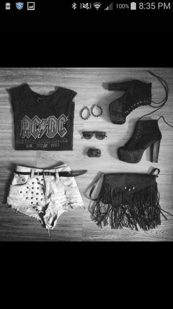 shorts shirt shoes sunglasses bracelets necklace bag