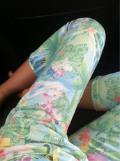 jeans,pants,flowers,floral,floral pants,summer,spring,tropical,tropical jeans,print,length,tumblr,printed leggings,plants,pastel,pink,green,skinny pants,high waisted pants,printed pants,roses floral jeans flowers,floral jeans,palmflower,palm tree print,birds,palms,palm,denim,topshop,2014,great,style,zara,sportswear,pans,white,california