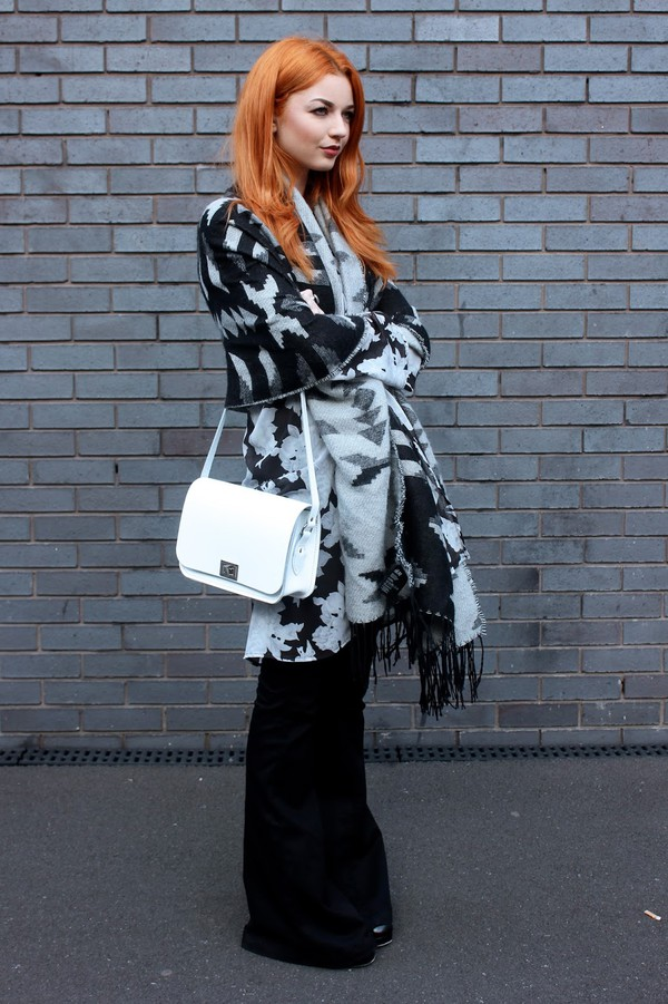 hannah louise fashion blogger scarf bag jewels