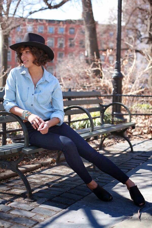trop rouge t-shirt jeans shoes jewels