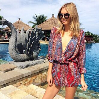 romper muted colours summer spring skinny/red blue glasses blonde hair style boho indie hipster low cut baggy paisly muted sea indian holidays casual pretty girl necklace vanessa hudgens