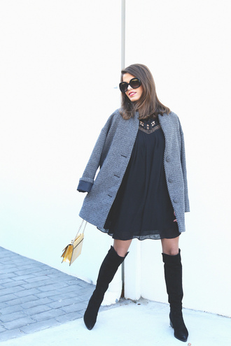 seams for a desire blogger grey coat black dress black shoes coat dress shoes sunglasses bag jewels