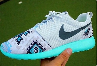shoes nike nike roshe run bright bright blue aztec tumblr